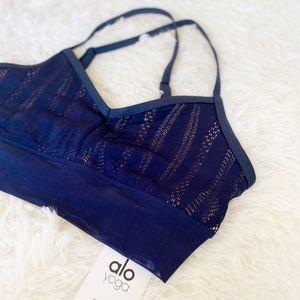 BNWT! ALO yoga navy blue lace sporty aria bra